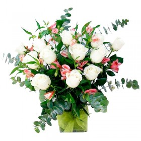 Florero 12 Rosas Blancas con Astromelias