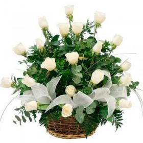 Flores Condolencias Canastillo con 24 Rosas Blancas