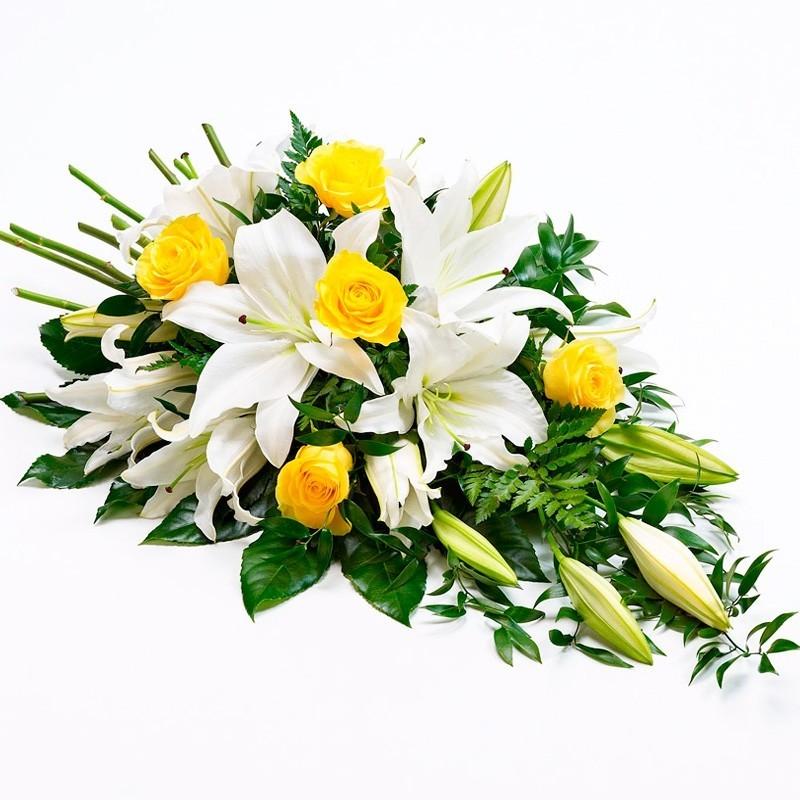Flores Condolencias Cubre Urna con Liliums Blancos y Rosas Amarillas