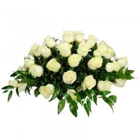 Flores Condolencias Ovalo de 40 Rosas Blancas