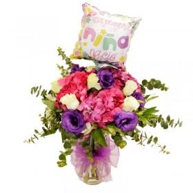 Florero de Nacimiento con Hortensias y Rosas con Globo es niña
