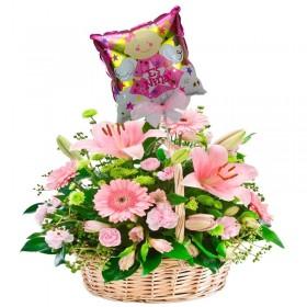 Cesta Grande con 24 Rosas y 10 Liliums color Rosado más Globo para Niña