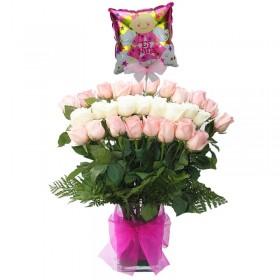 Florero de Nacimiento con 24 Rosas Mix Blancas y Rosadas más Globo es una Niña