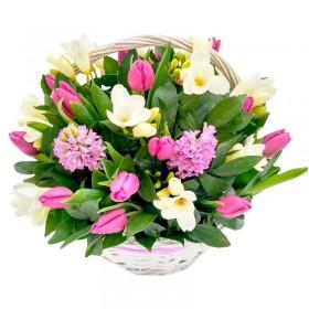 Cesta de 10 Tulipanes mas Flores Mix