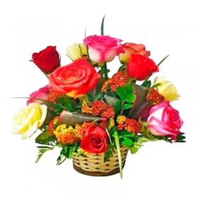 Cesto 12 Rosas y Flores Mix
