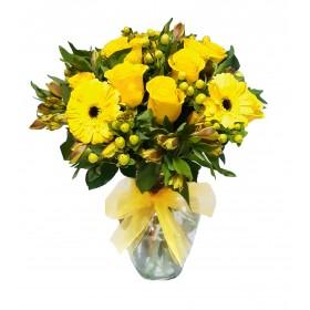 Florero 12 Rosas Amarillas mas Gerberas Hipericos y Astromelias