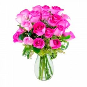 Florero 18 Rosas Color Fucsia