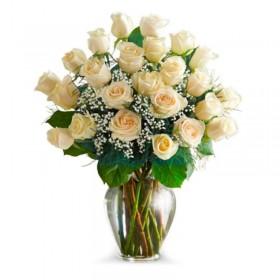 Florero 24 Rosas Blancas + Hipericos
