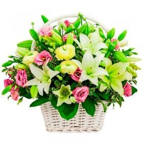 Flores Condolencias Rosas y Liliums en Canastillo