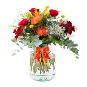 Florero con 5 Rosas Rojas flores Rústicas Eucalipto y flores mix