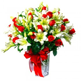 Florero de 24 Rosas Rojas y 10 Liliums